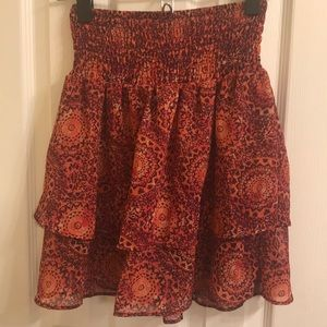 Garage XS two layer patterned skirt